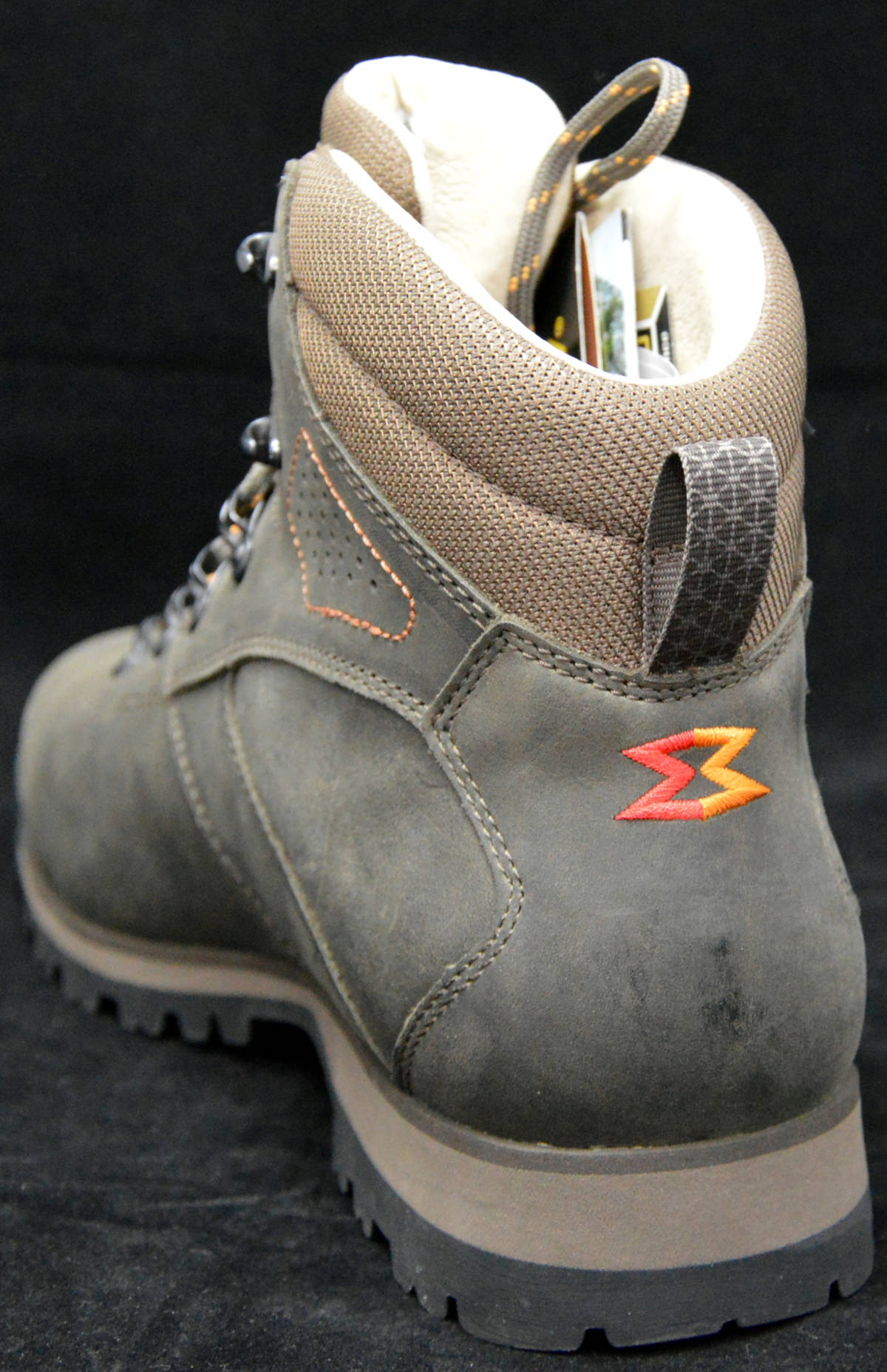 scarpone-escursionismo-garmont-pordoi-nubuck-gtx